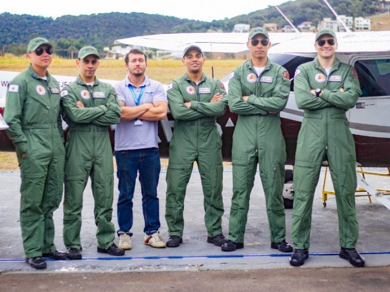 Voo solo dos Oficiais da Polícia Militar de Minas Gerais é realizado no Aeroclube de Juiz de Fora
