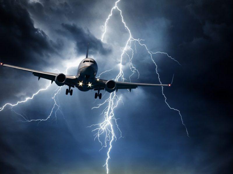 5 riscos climáticos que afetam todas as aeronaves