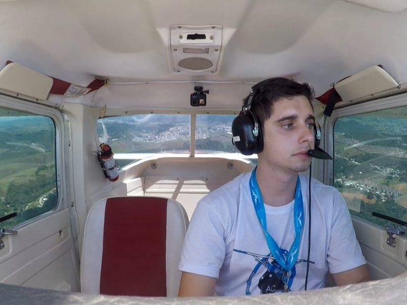 Sonho de se tornar piloto do Sargento da Força Aérea Brasileira é alcançado no Aeroclube de Juiz de Fora