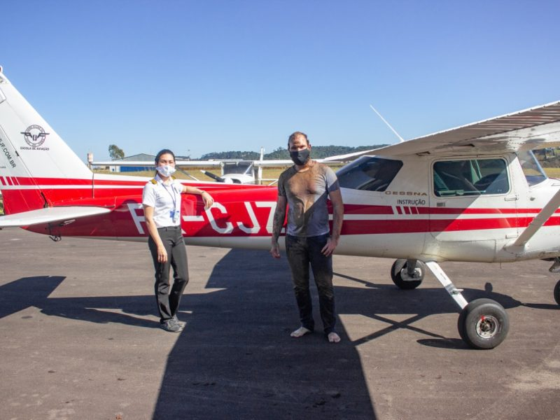 Aluno que fez seu primeiro voo solo conta como superou seu medo de voar