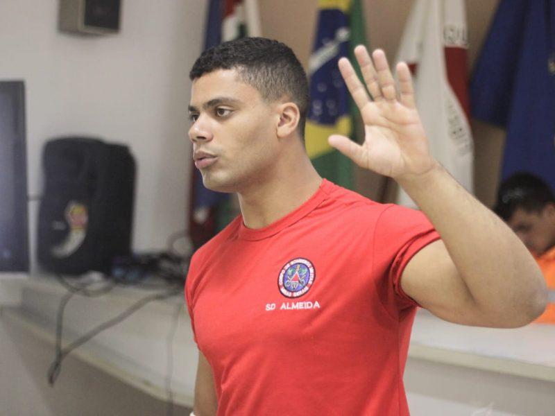"""Corpo de Bombeiros concede palestra sobre """"Incêndio Florestal"""" para a equipe do Aeroclube de Juiz de Fora"""