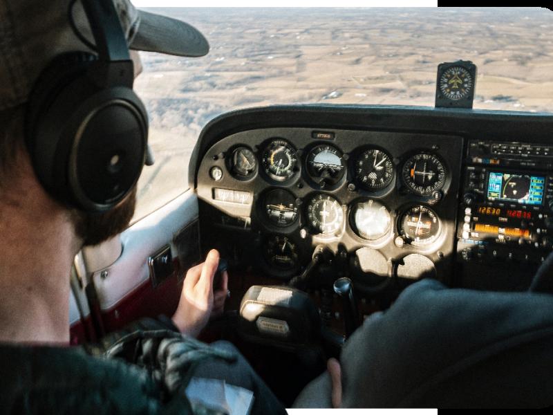 Curso teórico para piloto em casa? Conheça nossa plataforma EAD