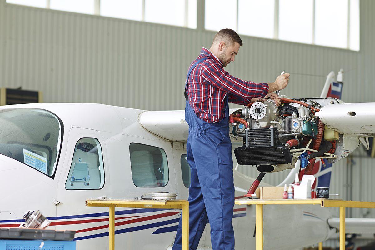 Oficina mecânica de aeronave