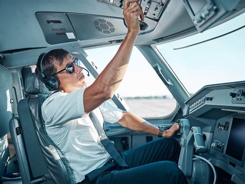 ACJF lança parceria com UniGuairacá para cursos de graduação e tecnólogo em aviação