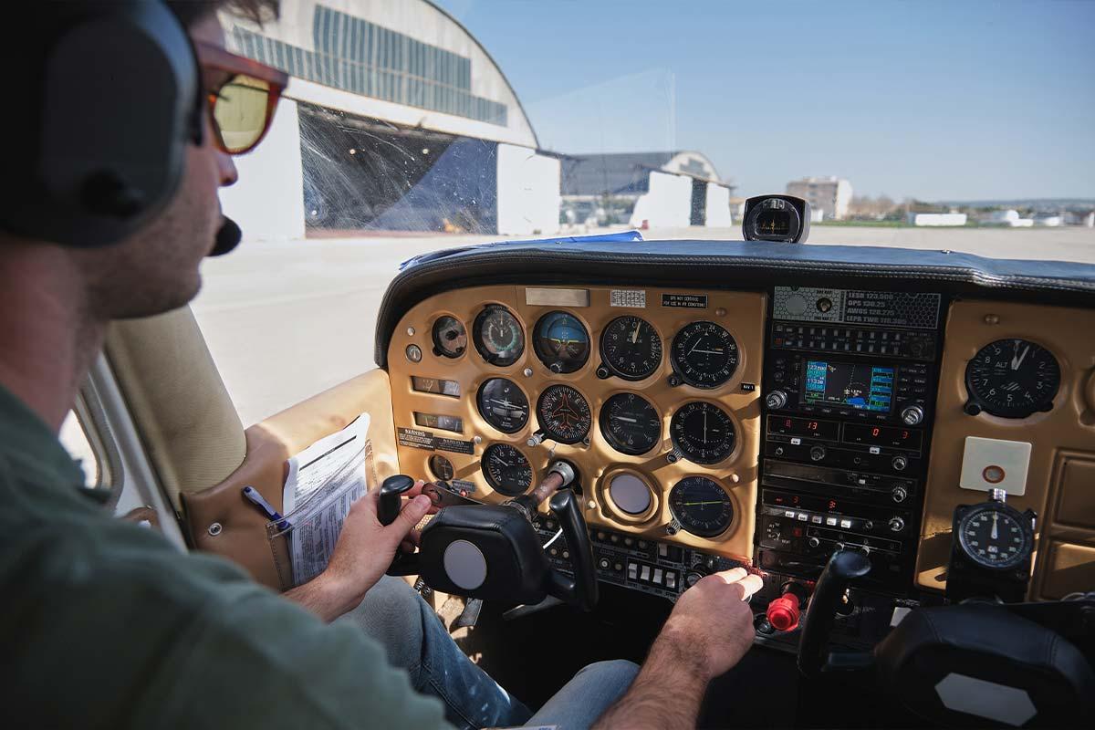 Piloto de avião: como acumular horas de voo
